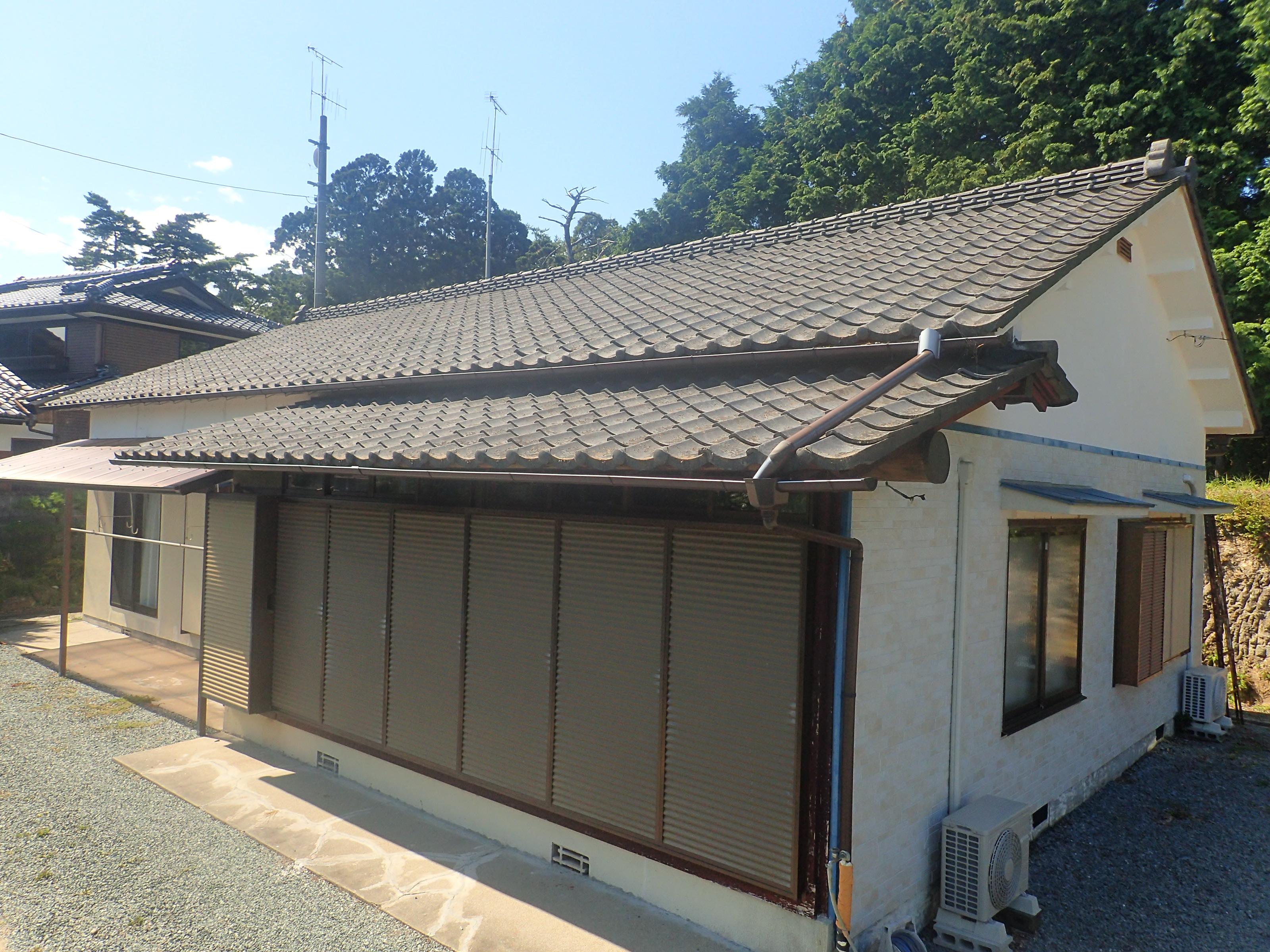 葺き替え前 セメント瓦屋根
